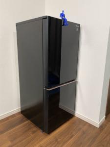 【SHARP SJ-GD14E レビュー】子供部屋おじさんは部屋に冷蔵庫を置くと便利になるよ。
