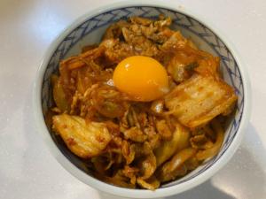 【簡単】至高の豚キムチ丼の作り方【レシピ】