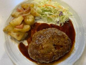 【肉汁あふれる】特製和風ソースで食べる「絶品ハンバーグ」の作り方【レシピ】